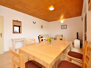 Nice Condo with Internet Access and Washing Machine - Okrug Donji vacation rentals
