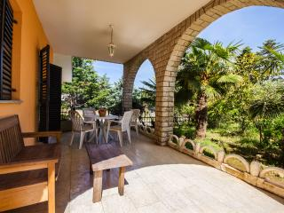 Nice Condo with Internet Access and Stove - Banjole vacation rentals