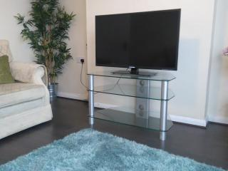2 bedroom House with Internet Access in Rainham - Rainham vacation rentals