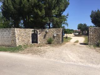 bilocale in villa con giardino a lecce - Torre Rinalda vacation rentals