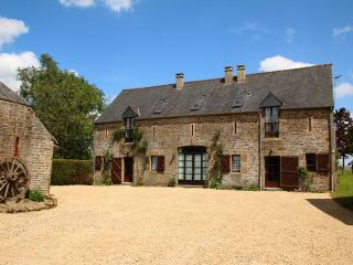 3 bedroom Cottage with Internet Access in Saint Denis de Gastines - Saint Denis de Gastines vacation rentals