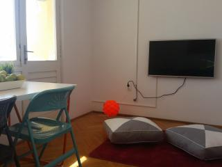 Appartment 20 meters from the beach - Vis vacation rentals