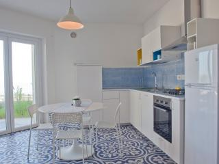 Il Turchino, appartamento Ambra 1 - San Vito Chietino vacation rentals