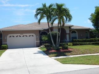 Waterfront, short walk to Tiger Tail Beach - Marco Island vacation rentals