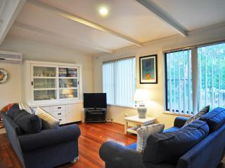 Lovely 3 bedroom House in Inverloch with Television - Inverloch vacation rentals
