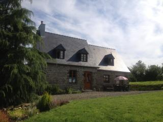 Le Clos - your delightful gite sleeping 6 + baby - Villedieu-les-Poeles vacation rentals