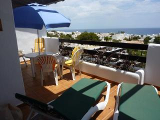 Cozy 2 bedroom Mojacar Apartment with Internet Access - Mojacar vacation rentals