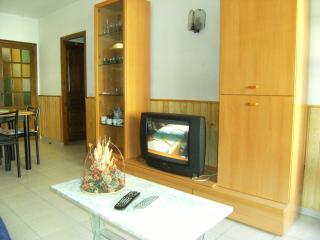 Bright 2 bedroom Condo in L'Escala with Television - L'Escala vacation rentals