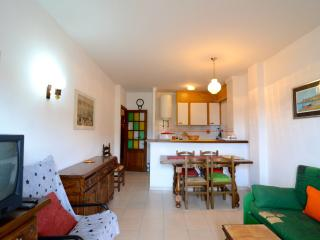 Bright L'Escala Apartment rental with Television - L'Escala vacation rentals