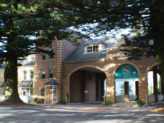 Perfect 6 bedroom House in Warrnambool with A/C - Warrnambool vacation rentals
