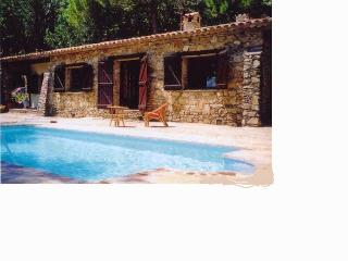 CHARMING TRADITIONAL HOUSE WITH SWIMMING POOL - Saint-Tropez vacation rentals