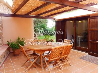 Chia, villa Acquamarina, 6 posti letto, 150ma mare - Chia vacation rentals