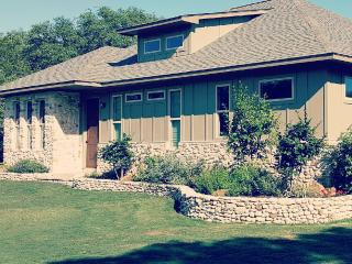 Lovely House with Internet Access and A/C - Dripping Springs vacation rentals