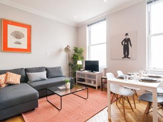 The Victorian Ongar Road House III - London vacation rentals