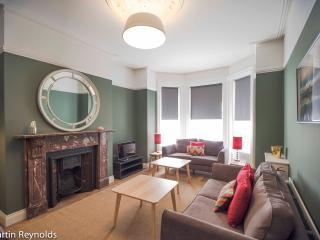 Elegant Townhouse - Queens Quarter - Belfast vacation rentals