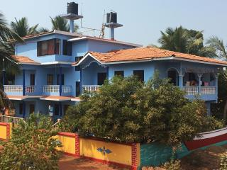 Cozy Apartment near Morjim beach Kitchen Wifi Goa - Morjim vacation rentals