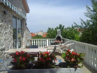 Apartments Moreta 2+0 - Biograd na Moru vacation rentals