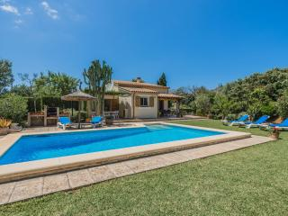 Beautiful Villa with Internet Access and Dishwasher - Cala San Vincente vacation rentals