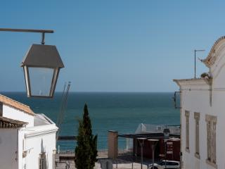 *ALBUFEIRA OLD TOWN* BEACH 2 ROOM 2 BATH + PRIVATE GARAGE - Albufeira vacation rentals
