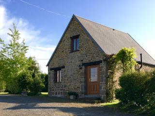 1  Bed cottage with pool nr Villedieu les Poeles - Villedieu-les-Poeles vacation rentals