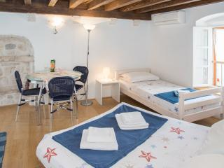 Cosy apartment in the Hvar centar - Hvar vacation rentals