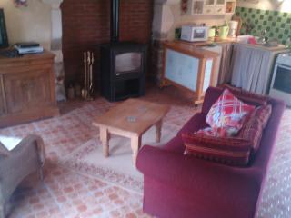 "Gite a louer "" rose cottage"" - Putanges-Pont-Ecrepin vacation rentals"