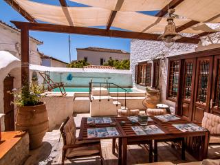 Perfect 3 bedroom Villa in Hydra Town - Hydra Town vacation rentals