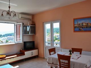 Deluxe Apartman Ena - Vrboska vacation rentals