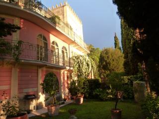 Villa Cisano Residenza d'Epoca - Cisano di Bardolino vacation rentals
