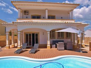 Superb 5 Bed Villa with Pool - Centre of Alvor - Alvor vacation rentals