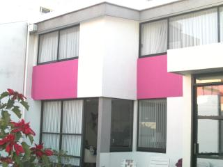 Bright 3 bedroom Puebla House with Washing Machine - Puebla vacation rentals