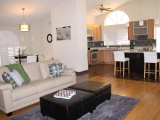 Modern, charming, updated home & walk to Fountain - Fountain Hills vacation rentals