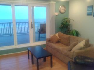 Oceanfront One Bedroom Condo with Large Balcony - Old Orchard Beach vacation rentals