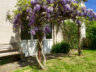 Garden Apartment in the beautiful village of Scone - Perth vacation rentals