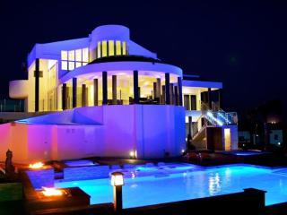 Mansion / Villa Royale Aruba - Noord vacation rentals