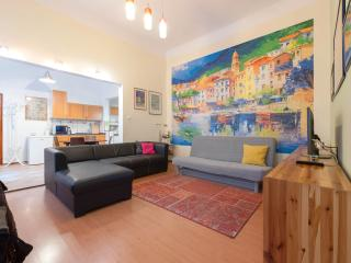 Central Apartment  Oktogon -  Metro 1 , pers.6 - Budapest vacation rentals