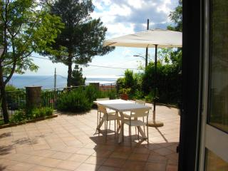 Monolocale con terrazza vista mare - Maratea vacation rentals