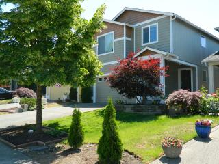 Nice House with Internet Access and Dishwasher - Puyallup vacation rentals