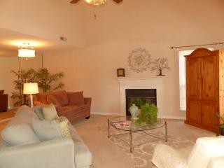 Beautifully Decorated Home...Min. from Nashville - Nashville vacation rentals