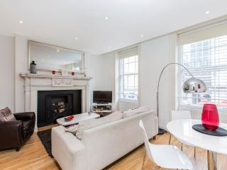 Theater District Central 3 Bedroom 2 Bathroom (3963) - London vacation rentals