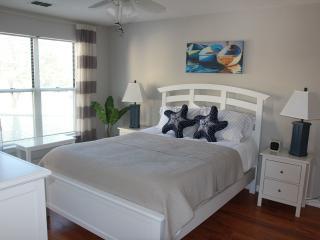 Delightful Couples Retreat in Pirates Cove Resort - Manteo vacation rentals