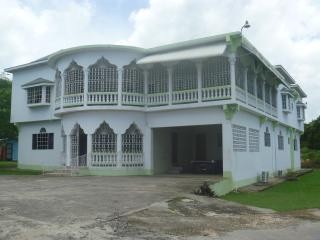 Nice 12 bedroom House in Lucea - Lucea vacation rentals