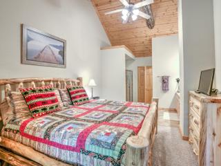 Dec 2 Weekend Just Opened!!  Near 76 and Shows - Branson vacation rentals