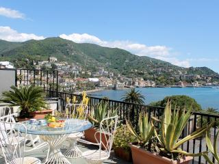 Wonderful 2 bedroom House in Rapallo with Television - Rapallo vacation rentals