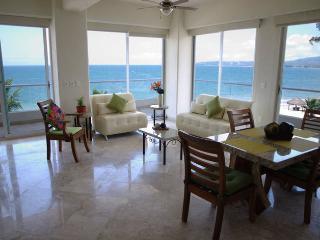 Agua Marina Suite Presidencial - Bucerias vacation rentals