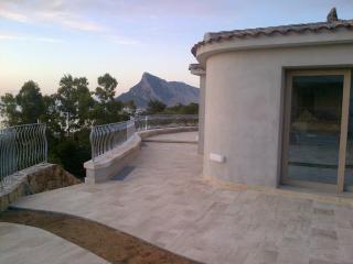 Cozy 2 bedroom Monte Petrosu House with Internet Access - Monte Petrosu vacation rentals