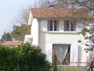 Agréable Maison avec Jardin - Bassin d'Arcachon - Andernos-les-Bains vacation rentals