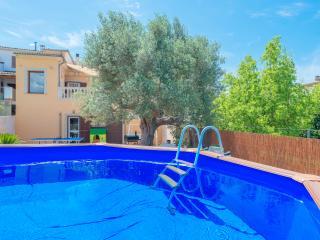 CA NAINA - Property for 6 people in Maria de la Salut - Maria de la Salut vacation rentals