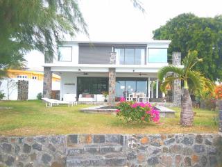 4 bedroom Villa with Internet Access in Grand Gaube - Grand Gaube vacation rentals