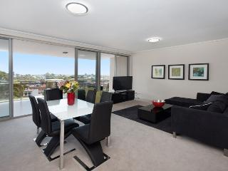 Comfortable Condo with A/C and Television - Bondi Junction vacation rentals